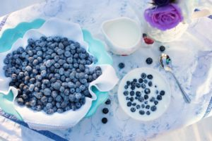 blueberries-1576409_1280